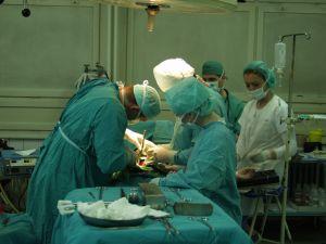 274997_surgeon.jpg